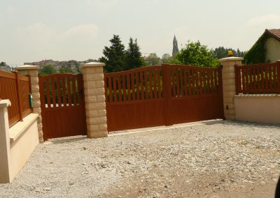 portail PVC chêne doré